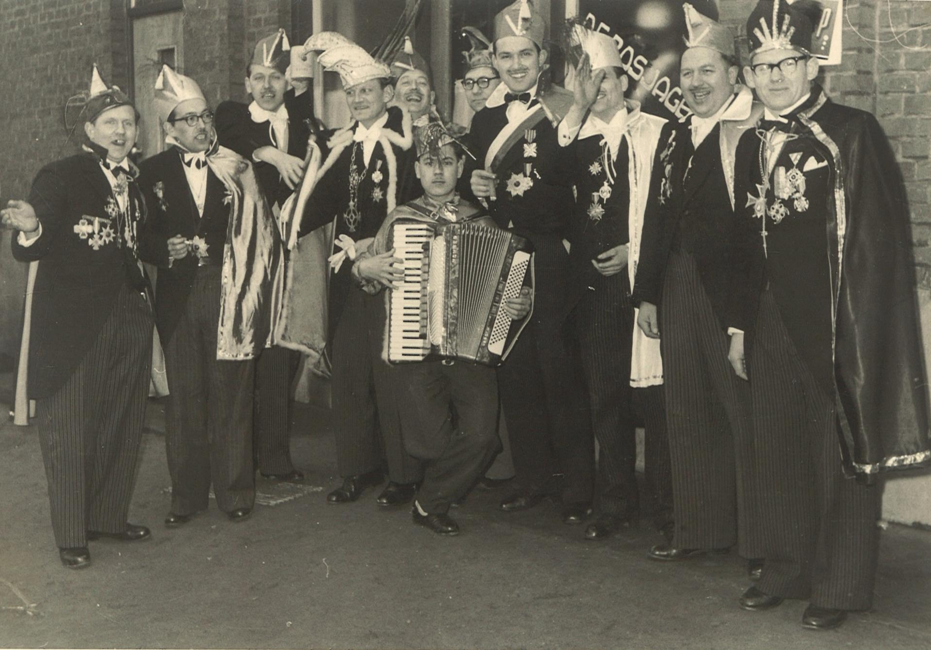 1958 groepsfoto CV D'n Doal 1920x1341