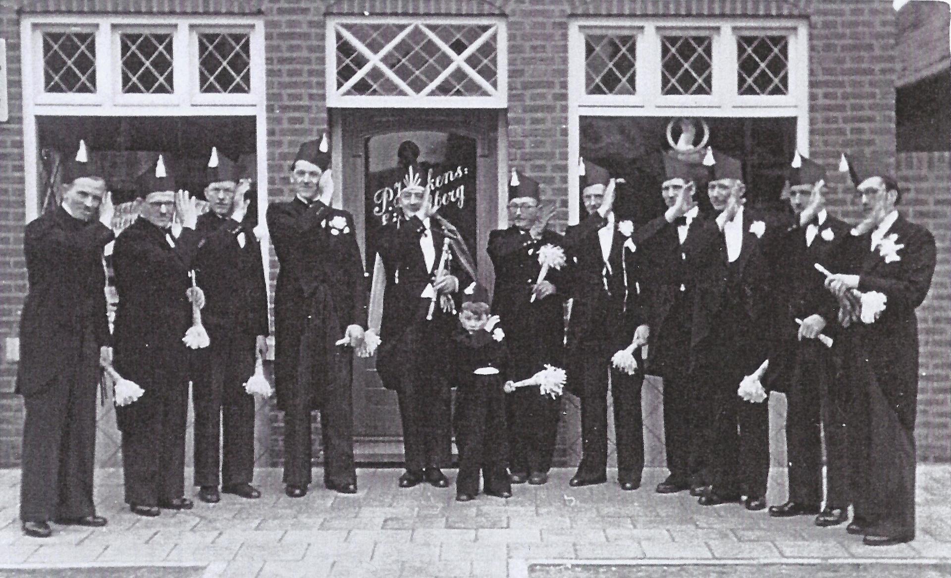 jaren 50 groepsfoto CV D'n Doal 1920x1168